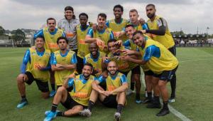 Corinthians faz rachão a dois dias de clássico contra o Santos