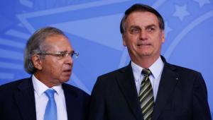 Bolsonaro assina medida provisória que extingue DPVAT