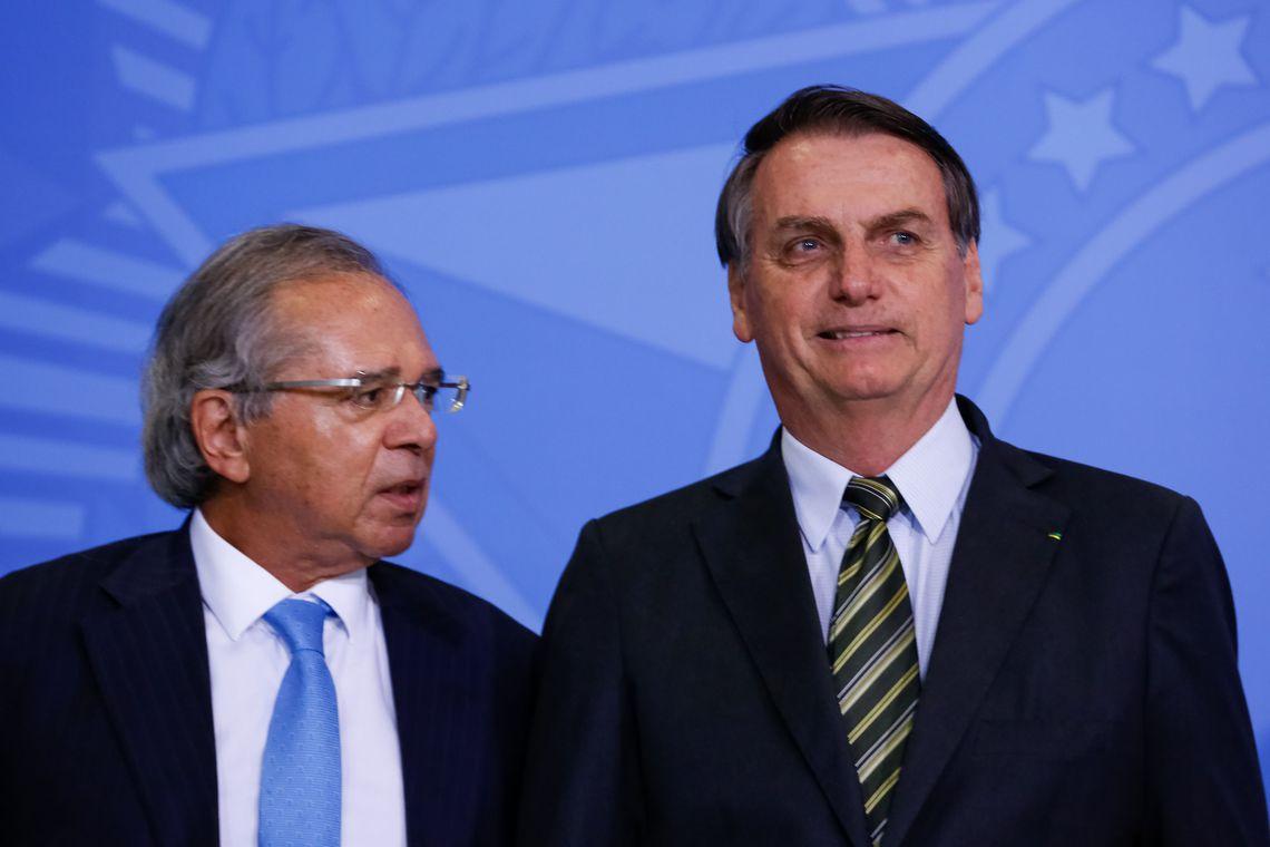Governo adia entrega da reforma administrativa; Previdência será promulgada nesta terça