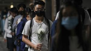 Hong Kong amplia restrições para evitar terceira onda da Covid-19