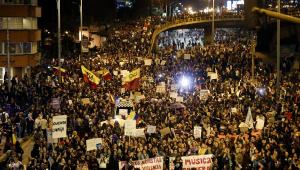 Colômbia tem terceira greve geral em 14 dias; governo tenta diálogo com manifestantes