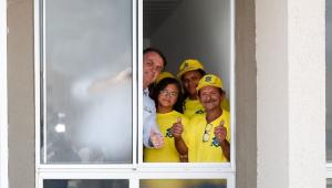 Bolsonaro entrega 4 mil moradias populares na Paraíba
