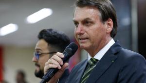 Para pagar 13º de servidores do Rio, Crivella pede recursos a Bolsonaro