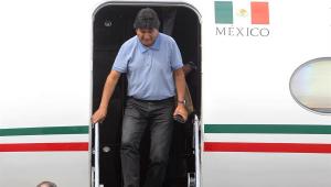 Evo Morales desembarca no México, onde recebeu asilo político