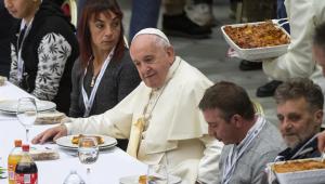 No Dia Mundial dos Pobres, Papa Francisco almoça com moradores de rua no Vaticano