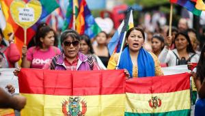 WhatsApp vira 'agência de notícias' para brasileiros na Bolívia
