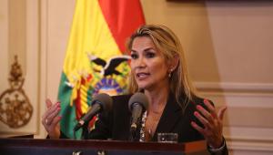 Presidente interina da Bolívia destitui Alto Comando Militar