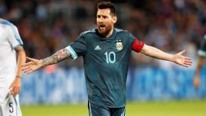 Cavani supostamente chama Messi para briga, e argentino responde: 'Quando quiser'; assista