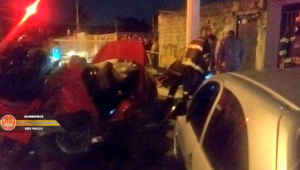 Quatro pessoas morrem e duas ficam feridas em acidente de carro na Zona Leste de SP