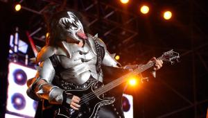 Kiss adia turnê de despedida no Brasil por causa de coronavírus