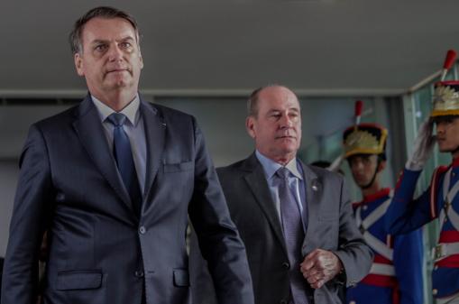 Bolsonaro critica invasão e fala em 'resguardar a ordem'