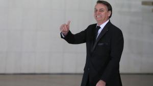 Bolsonaro diz que, 'por enquanto', é o presidente do Aliança pelo Brasil