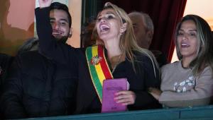 Brasil reconhece presidente interina da Bolívia; 7 já morreram em protestos