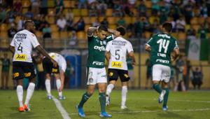 Palmeiras pressiona, Corinthians se segura e dérbi acaba empatado