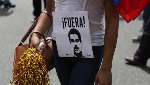 Manifestantes convocados por Guaidó protestam na Venezuela contra Maduro
