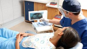 Dentista oferece tratamento gratuito para mulheres vítimas de violência
