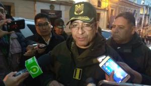 Sob pressão, comandante da polícia boliviana renuncia
