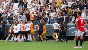 Com Arena lotada, Corinthians vence São Paulo e é campeão do Campeonato Paulista feminino
