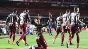 Fluminense vence São Paulo no Morumbi e sai da zona de rebaixamento