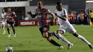 Em clássico movimentado, Santos e São Paulo empatam por 1 a 1 na Vila Belmiro