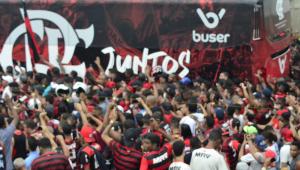 Jorge Jesus se derrete por torcida do Flamengo: 'Nunca vi este ambiente na minha vida'