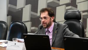 Projeto que proíbe investimento do BNDES no exterior avança no Senado