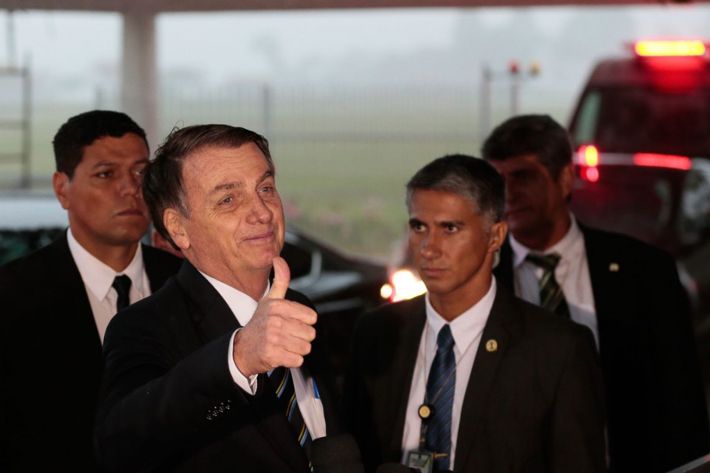 Em passagem por Goiânia, Bolsonaro ignora soltura de Lula