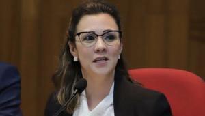 'Não preocupa o presidente', diz advogada sobre migração do fundo partidário para o Aliança pelo Brasil
