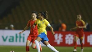 Nos pênaltis, Brasil perde a decisão do Torneio Internacional para a China