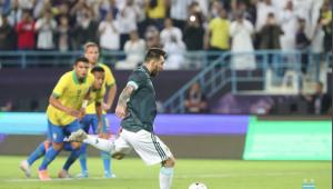 Messi marca, Argentina vence com tranquilidade e afunda o Brasil na crise
