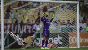 Muriel sofre fratura na mão e só volta a jogar pelo Fluminense em 2020
