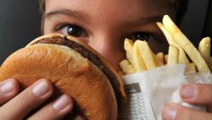 Governo lança campanha para prevenir a obesidade infantil no Brasil