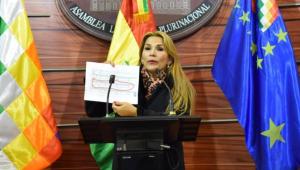 Presidente interina da Bolívia diz que, se retornar ao País, Morales deve responder à Justiça