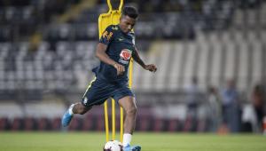 Rodrygo revela emoção de ser o primeiro jogador nascido no século 21 a vestir a camisa da seleção brasileira