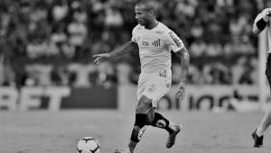 Com pênalti perdido por Sánchez no fim, Fortaleza vence Santos em casa