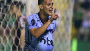 Sem lesão, Vitor Bueno deve ser opção no São Paulo contra o Athletico-PR