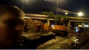 Vítima de queda de passarela em SP relata susto: 'Por uns 10 centímetros não chega a me atingir'