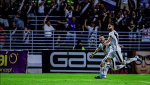Zagueiro do Vasco quer vitória para atrapalhar o Flamengo: 'Representaria um título para nós'