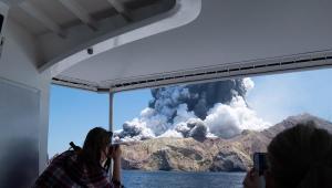 Nova Zelândia duvida de novos sobreviventes de erupção de vulcão; pelo menos 5 morreram; veja vídeos