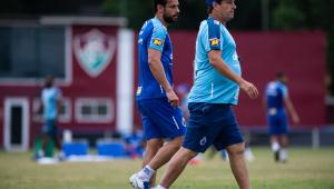 Em dia de visita de Felipão, Cruzeiro encerra preparação para duelo com o Grêmio