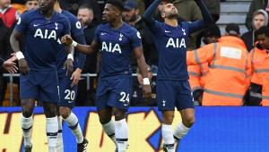 Tottenham vence, aproveita tropeço do Manchester e sobe na tabela