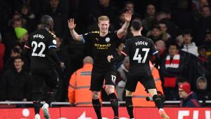 De Bruyne faz 2 gols e comanda vitória fácil do Manchester City sobre o Arsenal