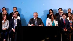 Fernández indica Martín Guzmán para comandar economia e negociar dívida da Argentina