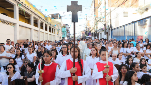 Em missa, padre pede respeito da polícia à Paraisópolis e promete ir a baile