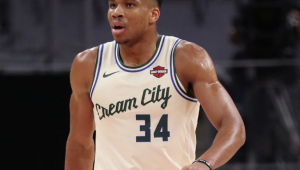 Perto de 'triple-double', Antetokounmpo brilha e Bucks vencem Magic na NBA