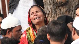 Incêndio em fábrica na Índia deixa 43 mortos e 16 feridos