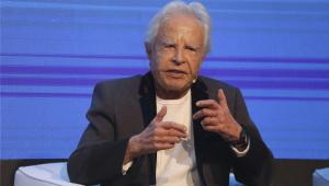 'Velho é só aquele que deixou de sonhar', diz Cid Moreira