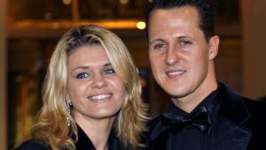 Corinna é a esposa de Michael Schumacher, heptacampeão mundial de Fórmula 1