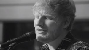 Ed Sheeran faz versão acústica e ao vivo de 'I Don't Care'; veja