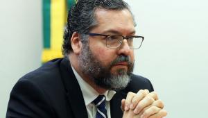'Grupos de interesse atrasam acordo entre UE e Mercosul', diz Ernesto Araújo